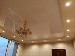 Располагаем светильники на натяжном потолке правильно