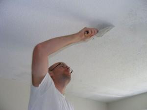 Побелка потолка по старой побелке без проблем