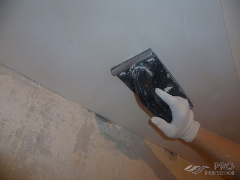Чем заделать швы на потолке между плитами: заделка и ремонт швов, как заделать щель, PROпотолки