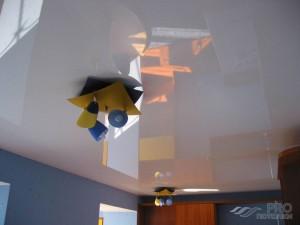Как клеить стеклохолст на потолок самостоятельно