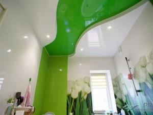 Какой потолок лучше сделать в ванной комнате: сделай правильный выбор