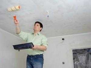 Как смыть водоэмульсионную краску с потолка: варианты и подробная инструкция