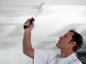 Грунтовка для потолка под покраску: есть ли необходимость?
