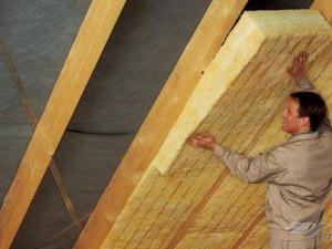 Как утеплить потолок в доме минватой?