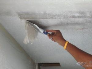 Как быстро смыть побелку с потолка: ТОП 15 методов