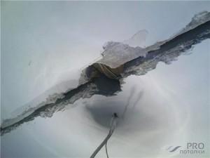 Чем заделать швы на потолке между плитами: 2 простых способа